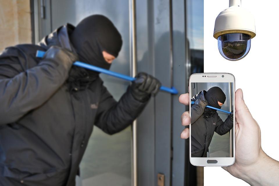 burglar-4194213_960_720